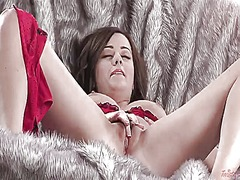 Taylor vixen cant live a day without dildoing her love box