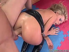 Nikki benz gets her famous anus stretched out by scott nails