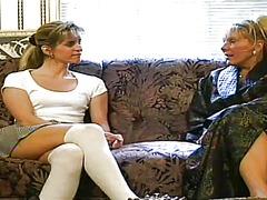בלונדיניות לסביות גרבונים
