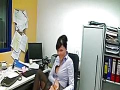גרמניות במשרד