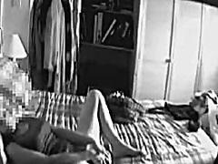 מצלמה נסתרת אוננות תחתונים
